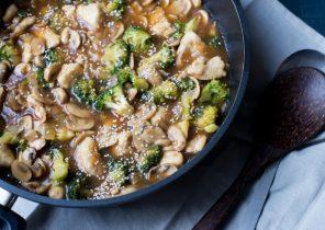 broccoli-pannetje_met_kip_en_champignonsfeat