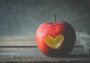 apple-2846296__340