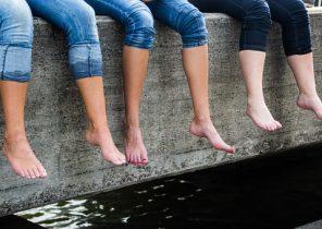 legs-375343__340