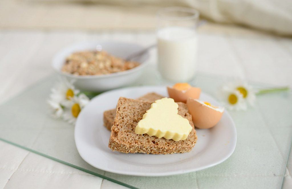 breakfast-5204352_1920